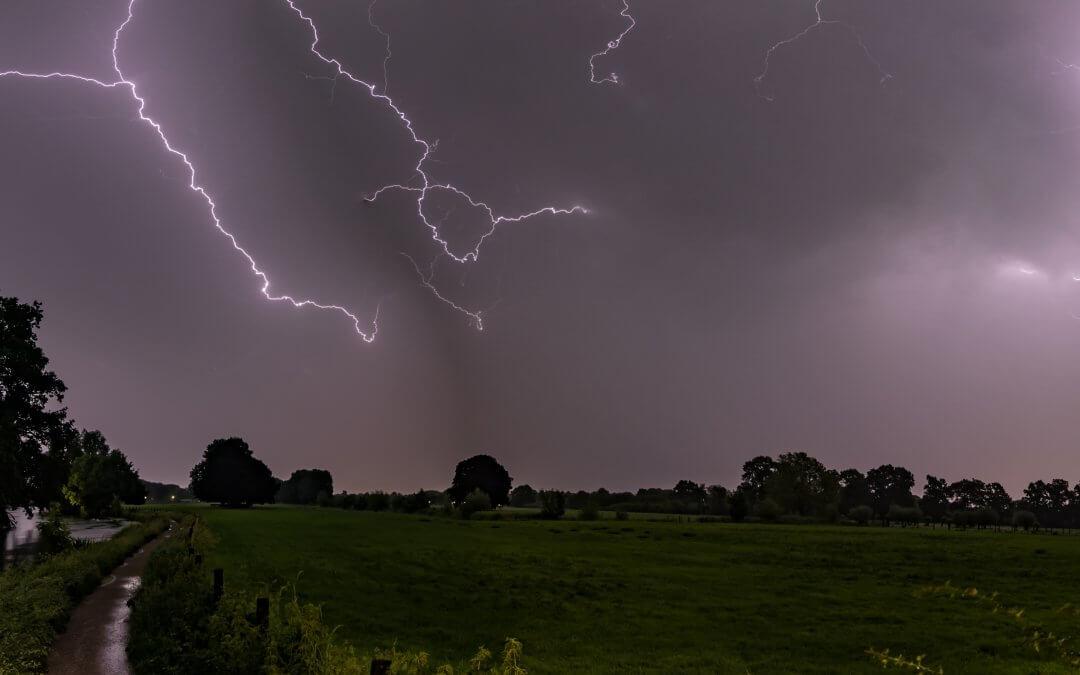 Onweer boven Rhijnauwen