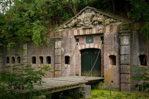 toegang tot fort bij rijnauwen onderdeel van de nieuwe hollandse waterlinie